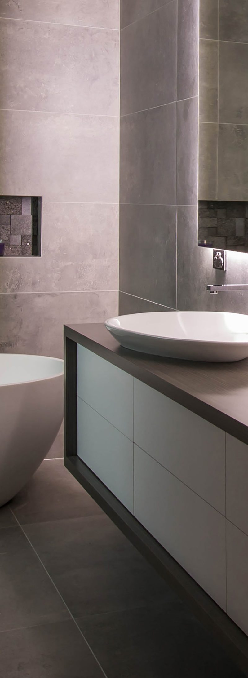 How to clean dirty tiles life 39 s tiles for How to clean bathroom tiles easily