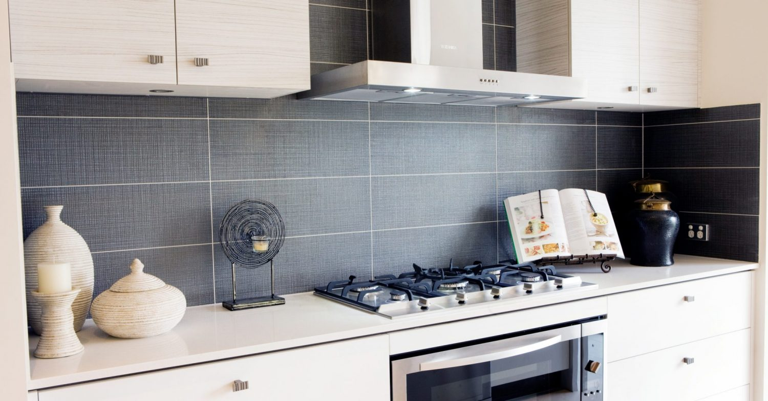Choosing tiles for a kitchen splashback life 39 s tiles for Splashback tiles kitchen ideas